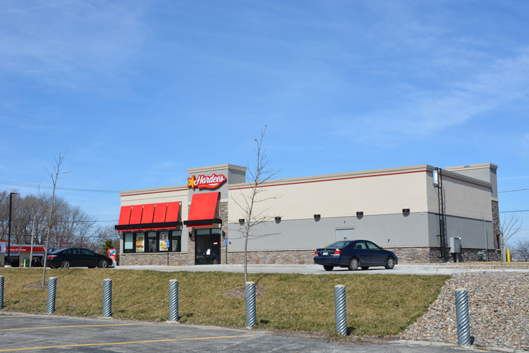 hardees_outside1_lrg